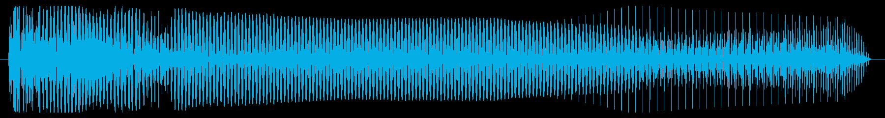 低シンセベースの音のヒットの再生済みの波形
