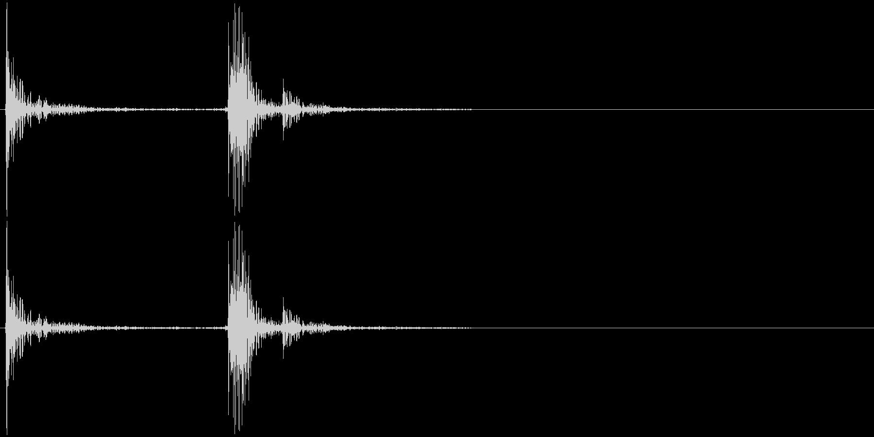 カタッ カチャッ パタッ 物を置く音の未再生の波形