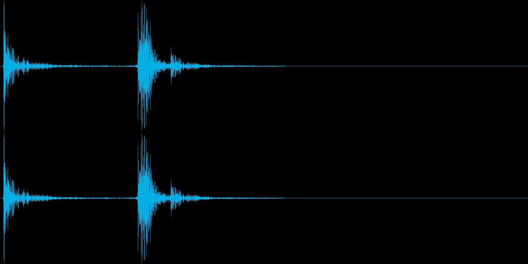 カタッ カチャッ パタッ 物を置く音の再生済みの波形