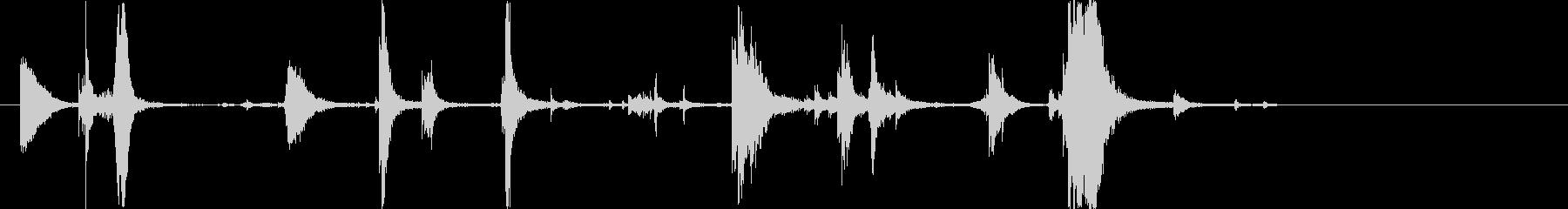 カランカランキュ(魔法瓶を閉める音)の未再生の波形