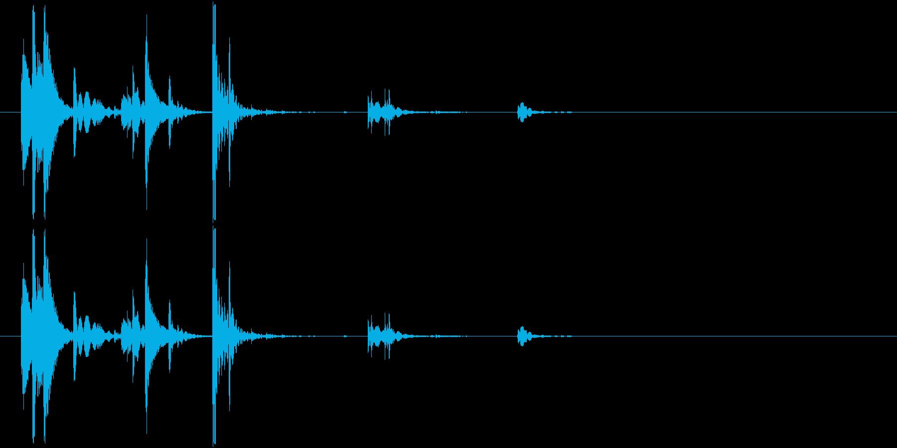 ロックグラスに氷を入れる涼しげな音01の再生済みの波形