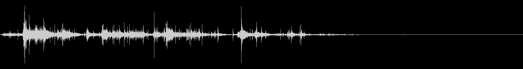 [生音]紙をクシャクシャにする05の未再生の波形