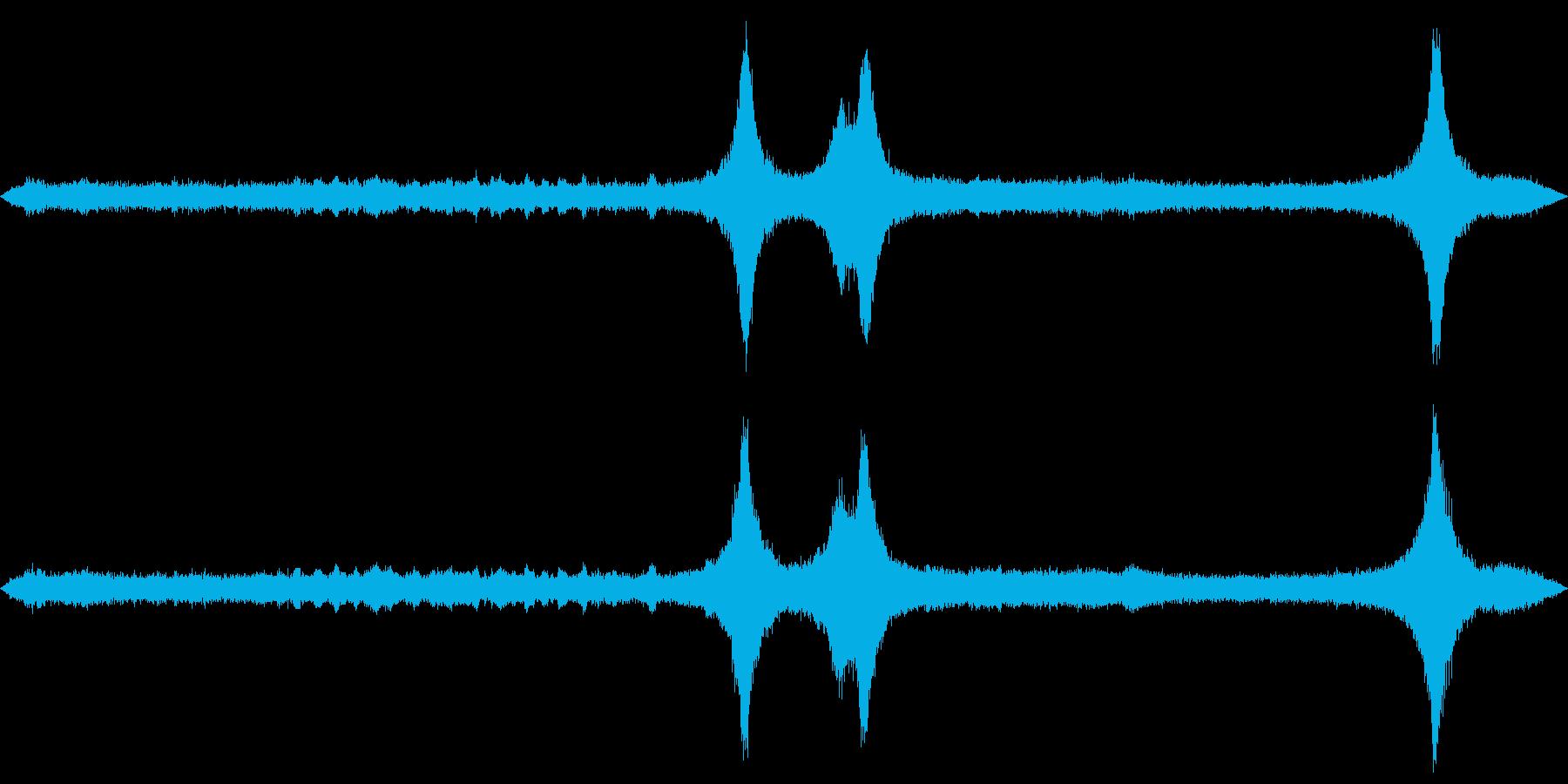 商店街の街角でバイノーラル録音を行いま…の再生済みの波形