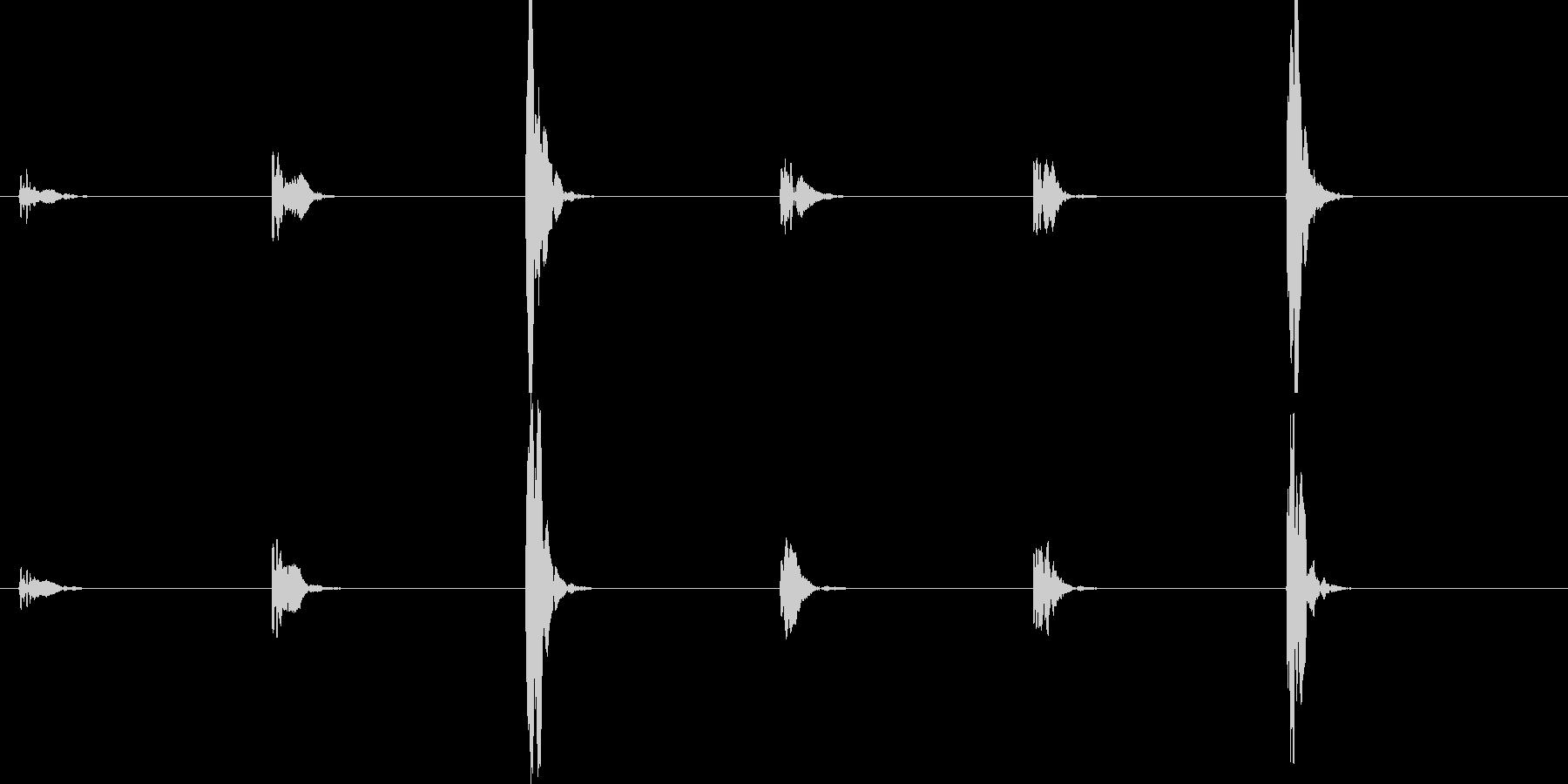 ポッピッパッポッピッパッ …の未再生の波形