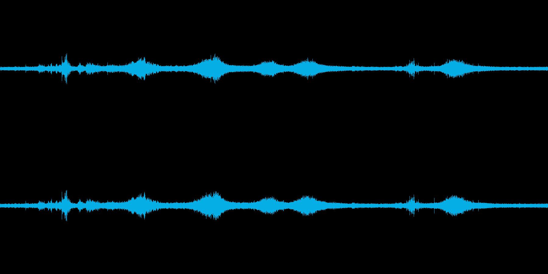 【生音】雷雨20 - 雨と雷と通行音 …の再生済みの波形