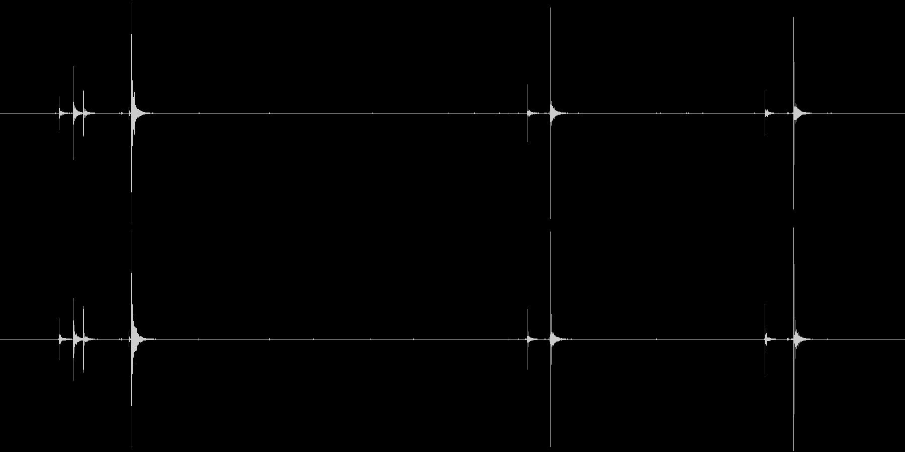 ボールペンのカチカチ音の未再生の波形