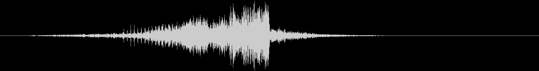 ノイズの効いたCINEMATICサウンドの未再生の波形