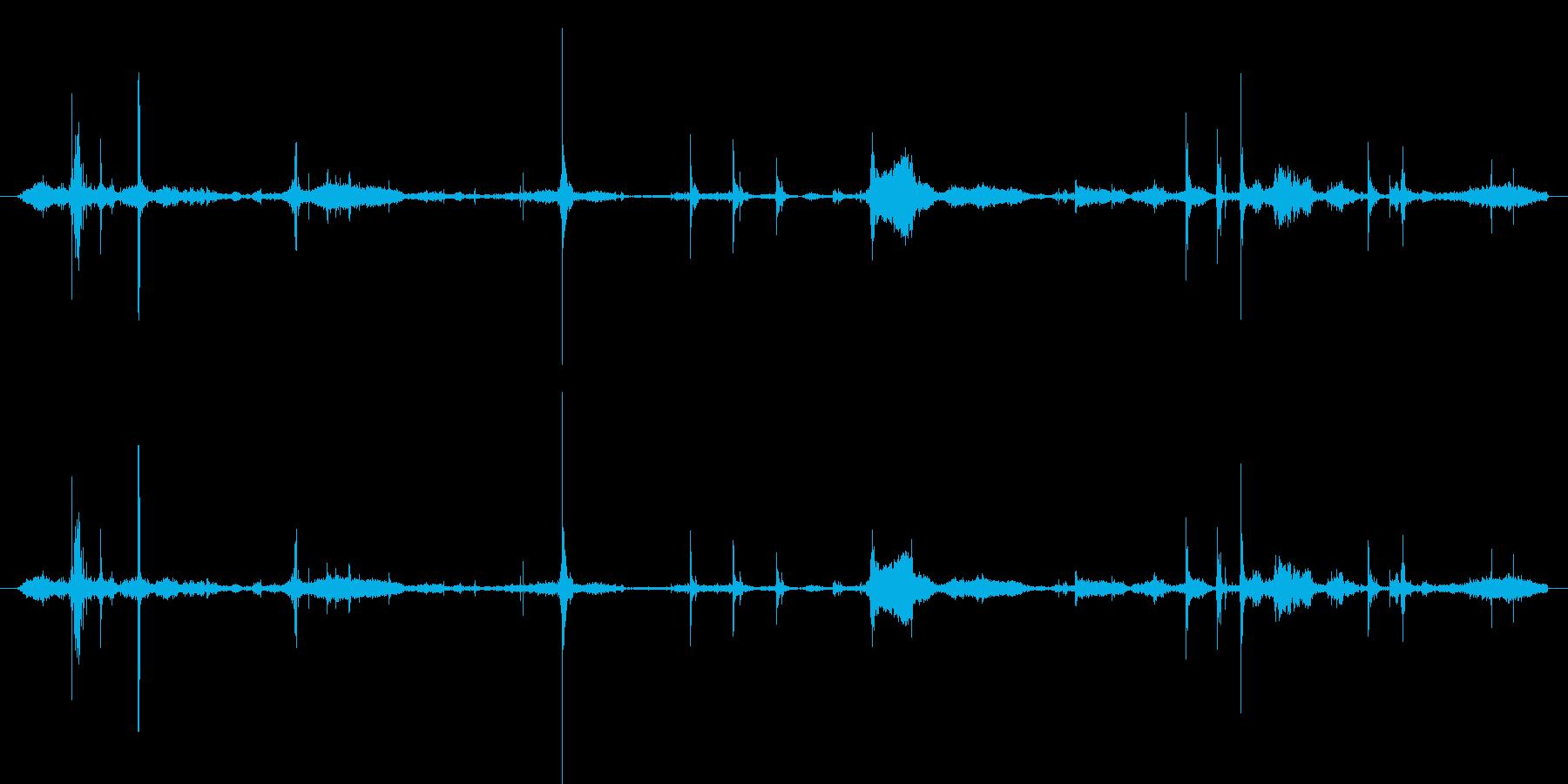 紙の小さなスタック:並べ替え、木材...の再生済みの波形