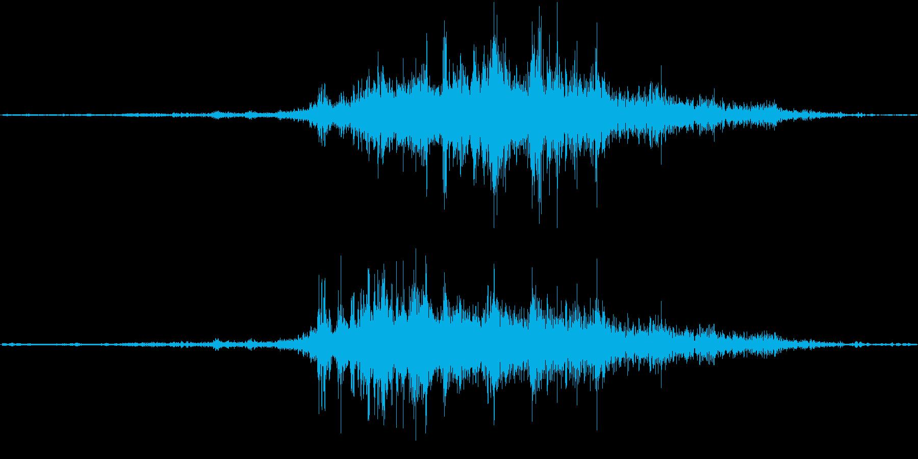 バイノーラル録音戦闘機1の再生済みの波形