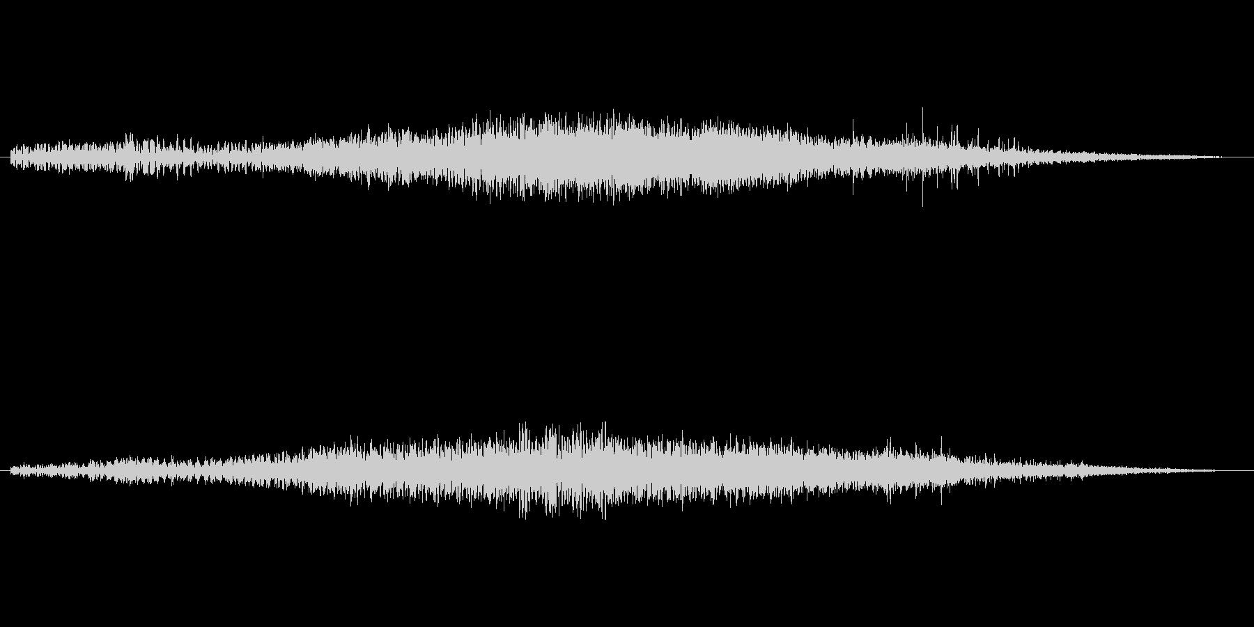 水中にいるようなミステリアスな音楽の未再生の波形