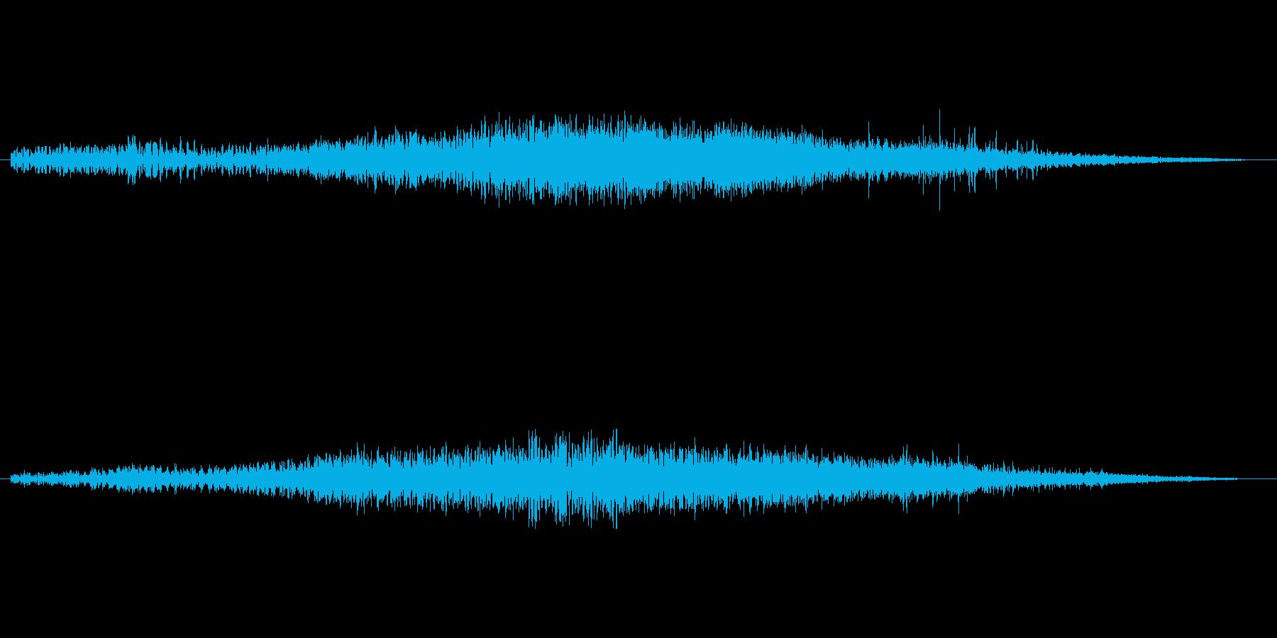 水中にいるようなミステリアスな音楽の再生済みの波形