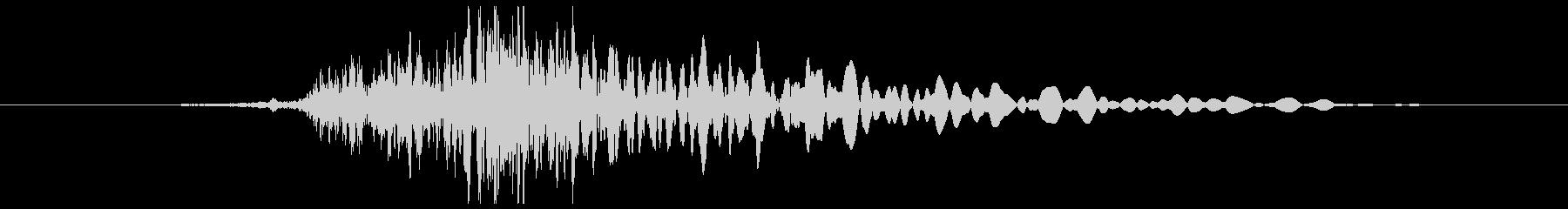 ロッカーの開け閉め音(ガタン)の未再生の波形