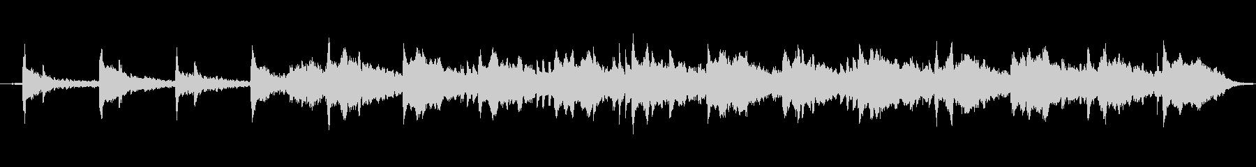 静かな波とピアノとシンセサイザーの未再生の波形