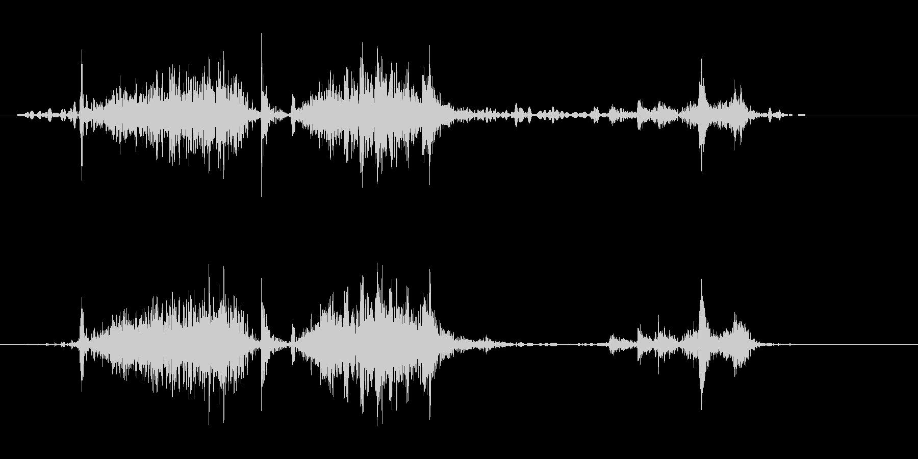 ミシンで少し縫う音(ウィーン、ガチャ)の未再生の波形