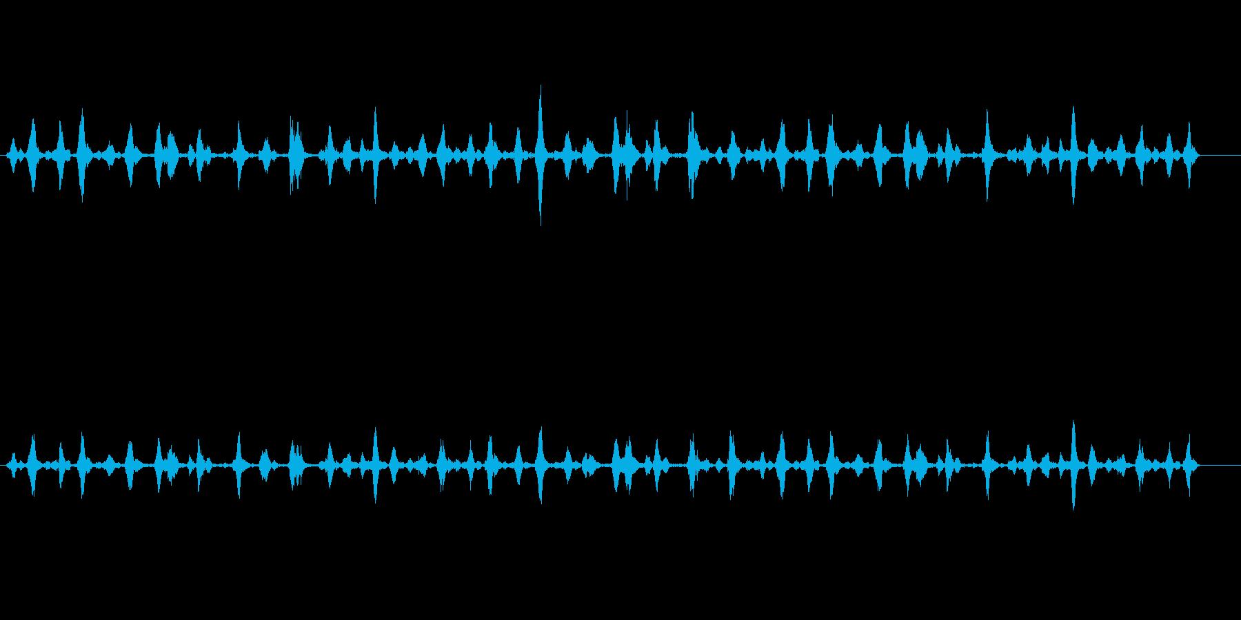 カリカリカリ(機械的で繊細な効果音)の再生済みの波形