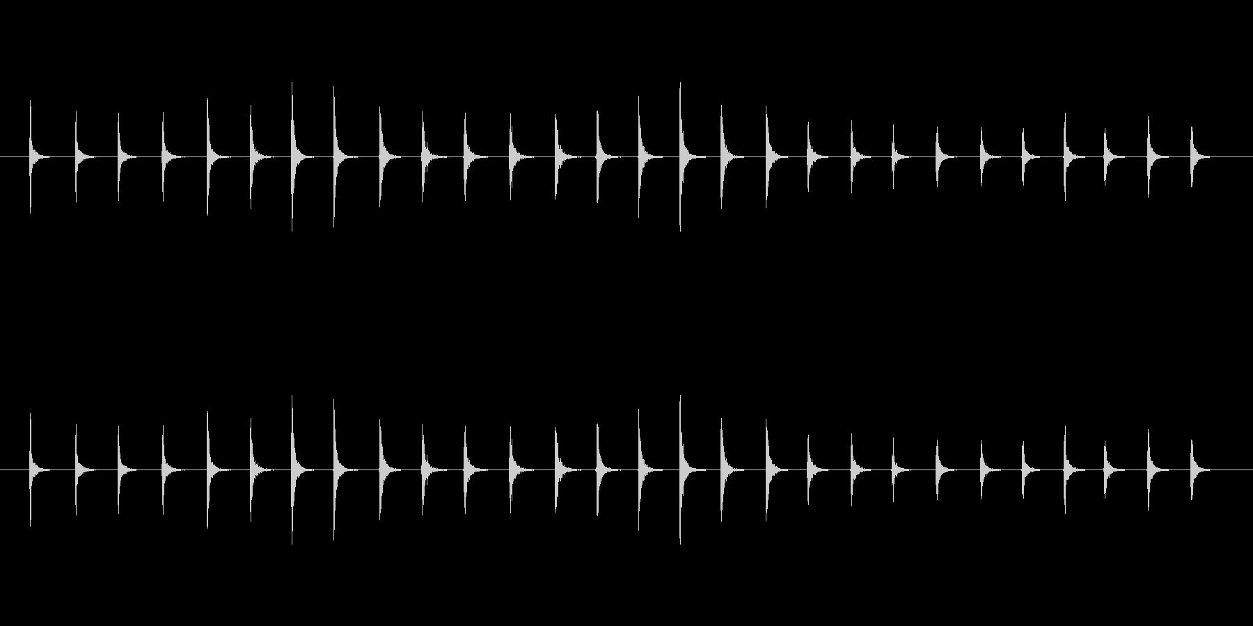 【生音】トントントン!というまな板の音…の未再生の波形