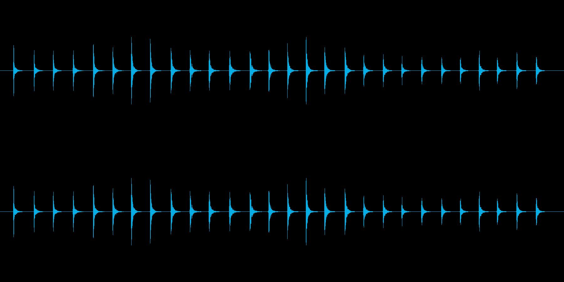 【生音】トントントン!というまな板の音…の再生済みの波形