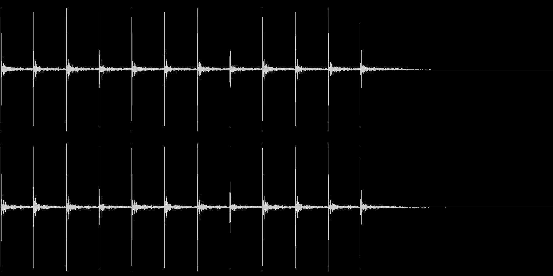 走る足音の未再生の波形
