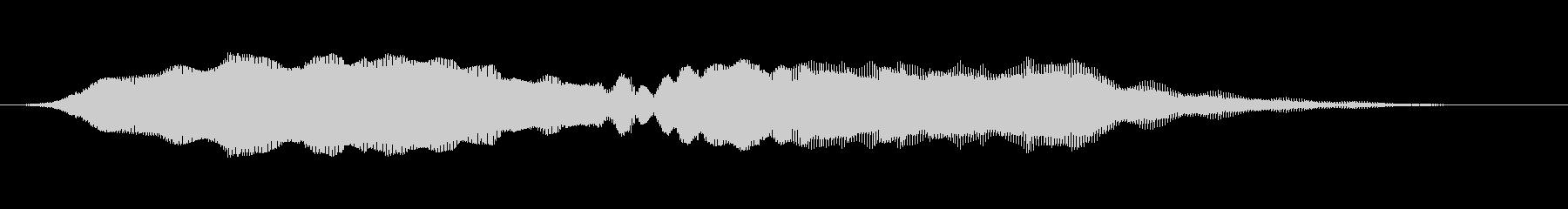音がゆっくり大きくなる不気味な音の未再生の波形