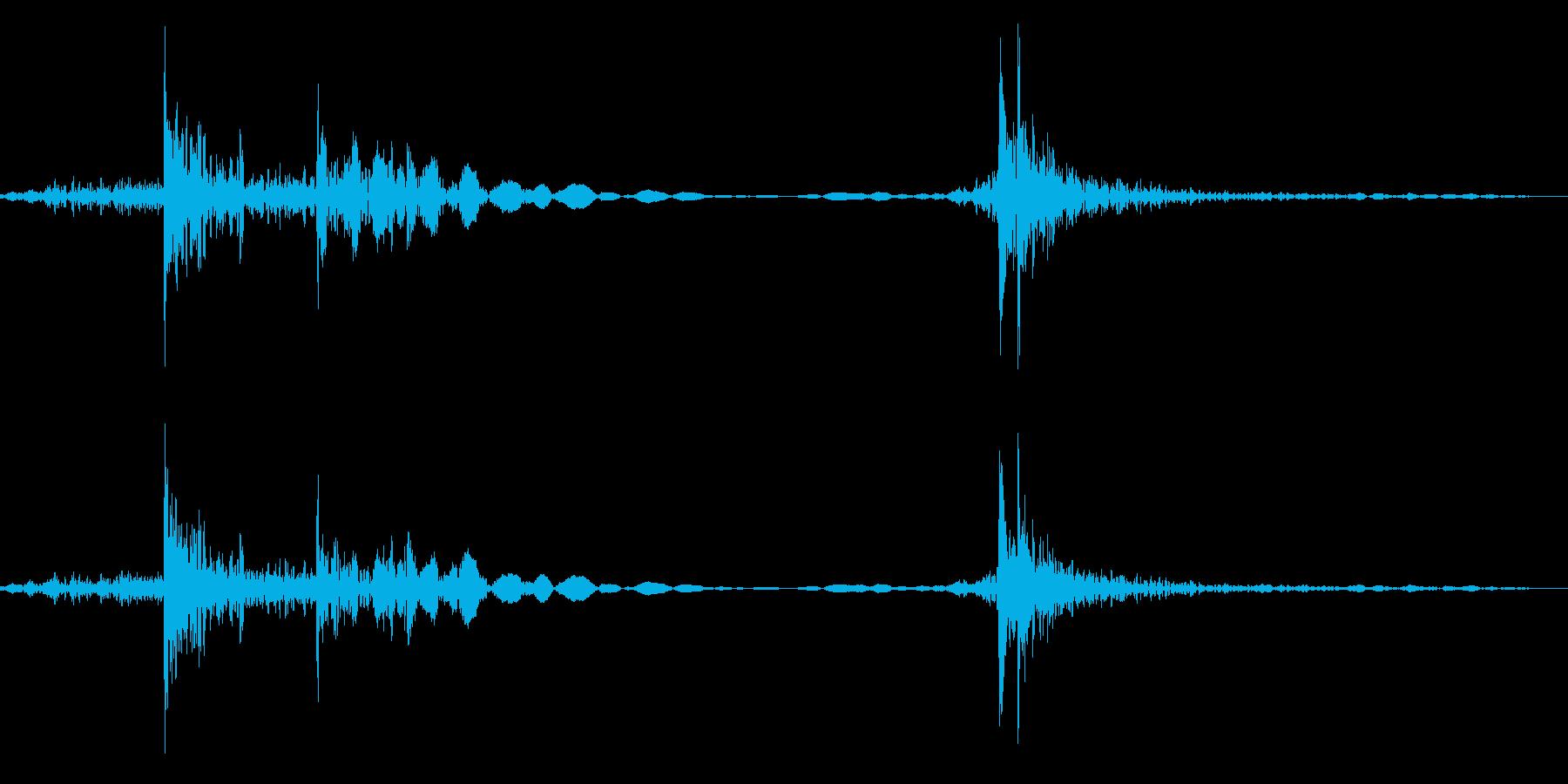 ドアノブを回す 鍵をかける音 ガチャコンの再生済みの波形