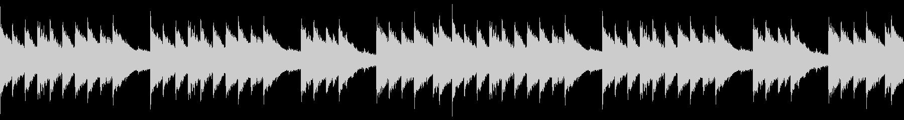 ピアノと鉄琴が3拍子で絡む不気味なBGMの未再生の波形