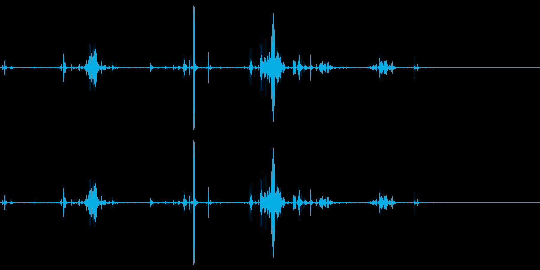 ズルリと何かが落ちる音の再生済みの波形