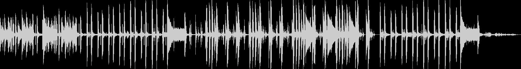 子どもの声とピアノ楽しげなミニマルBGMの未再生の波形