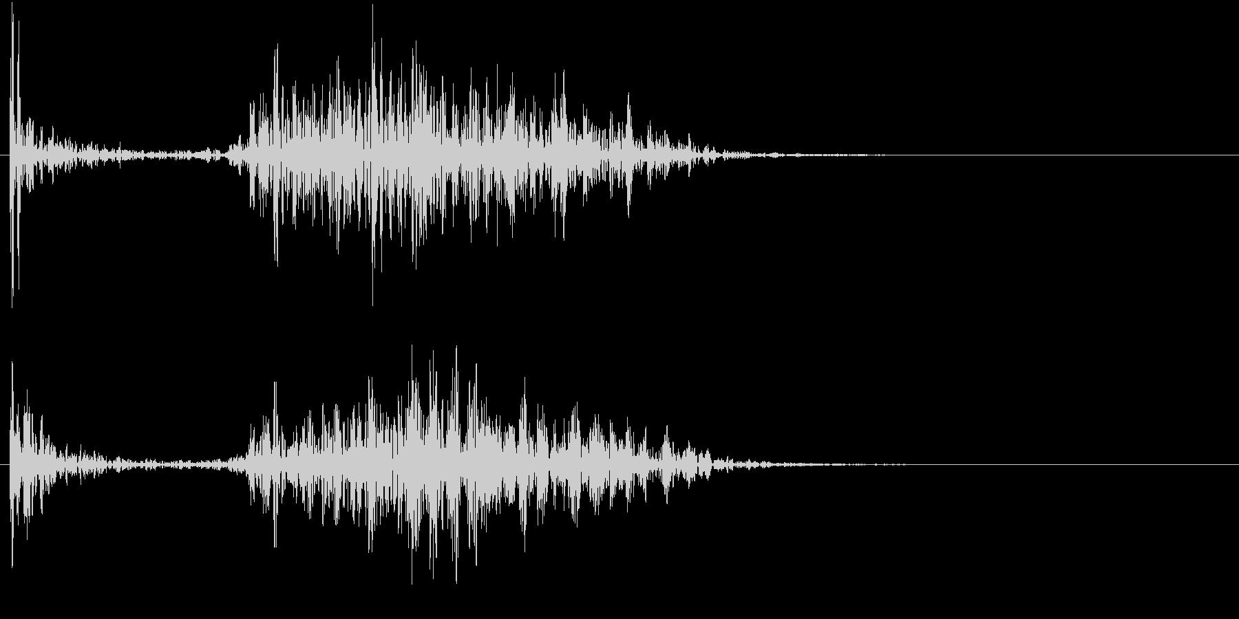 【生録音】ペンで書く音 机 13の未再生の波形