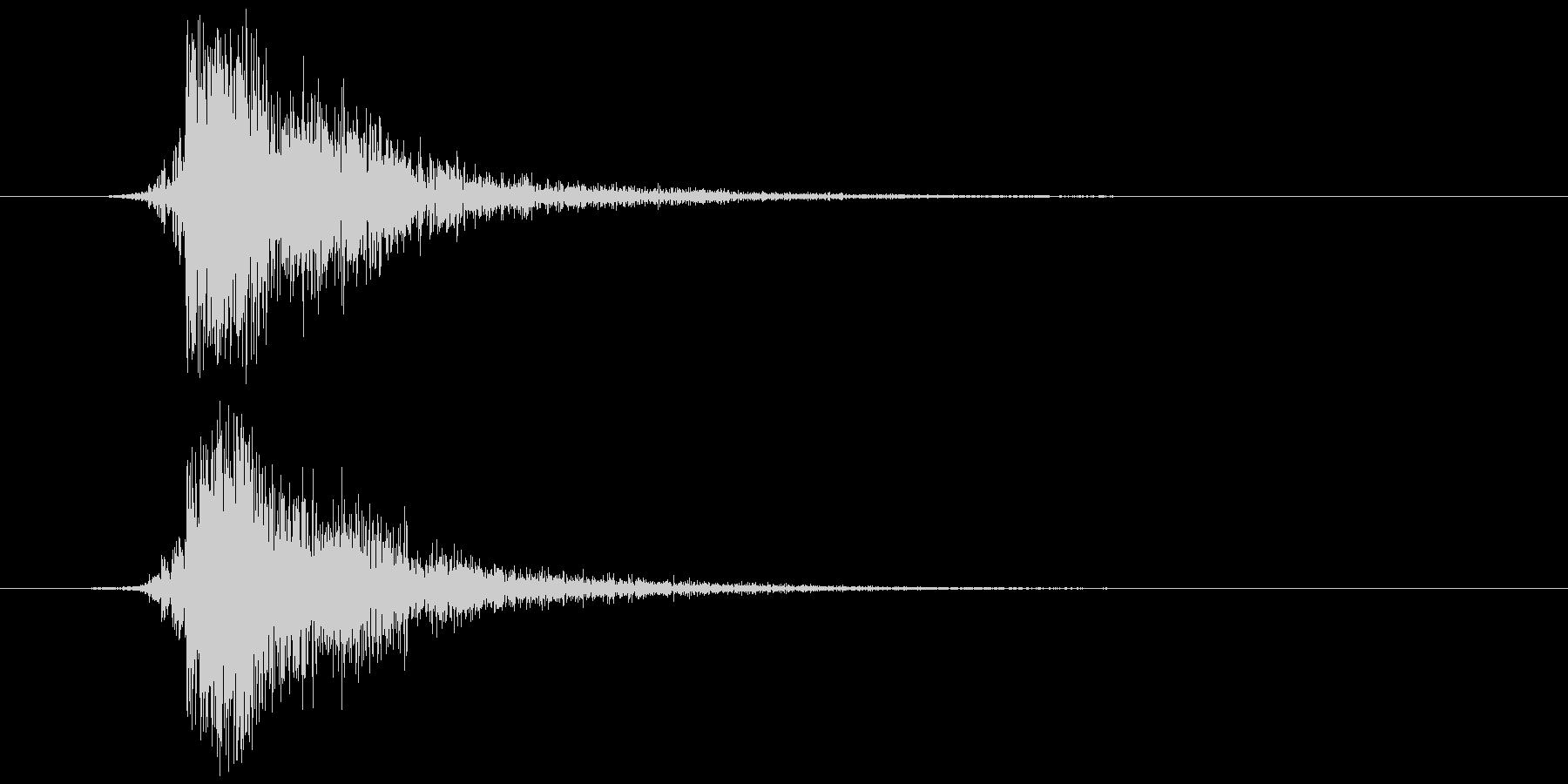 鍵(金属が擦れる) チッの未再生の波形