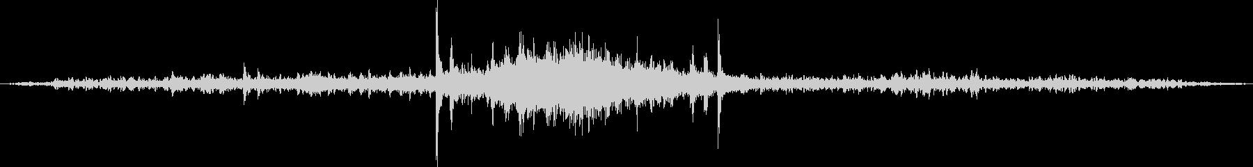 ディーゼル機関車の通過音の未再生の波形