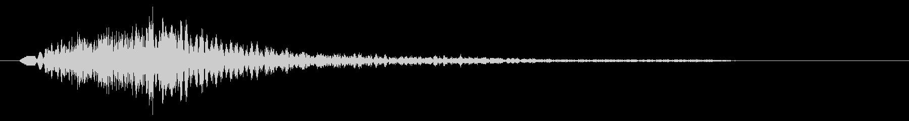 チョーン(注意を呼び起こす鋭い音)の未再生の波形