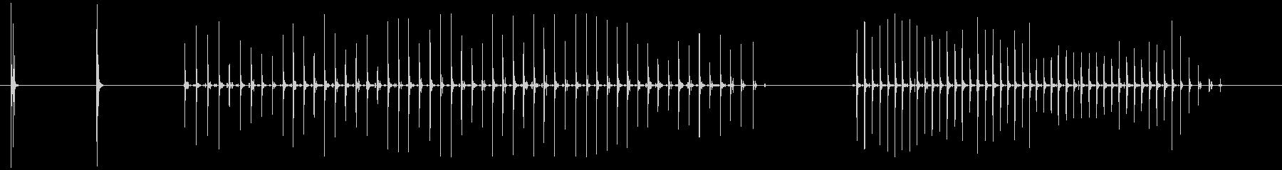 木のステップ-女性のキャンバスシューズの未再生の波形