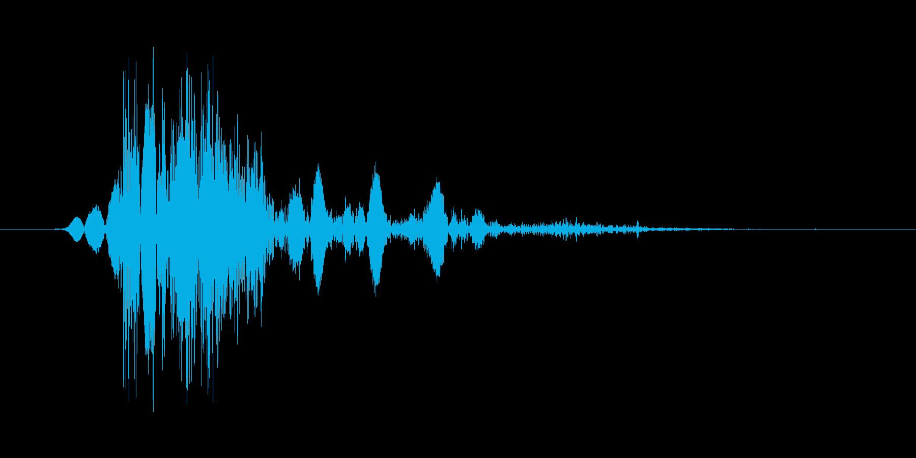 こん棒やメイスなどで攻撃する 05の再生済みの波形