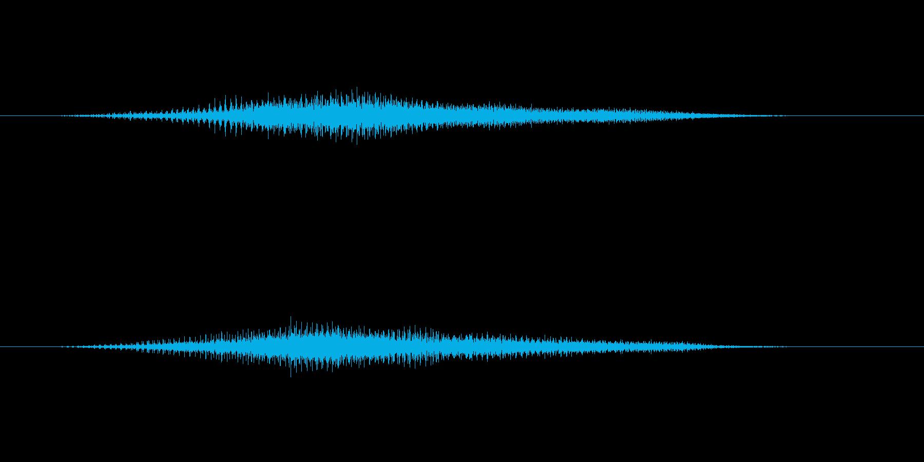 ホラー系のモンスターの通り過ぎるシーンの再生済みの波形