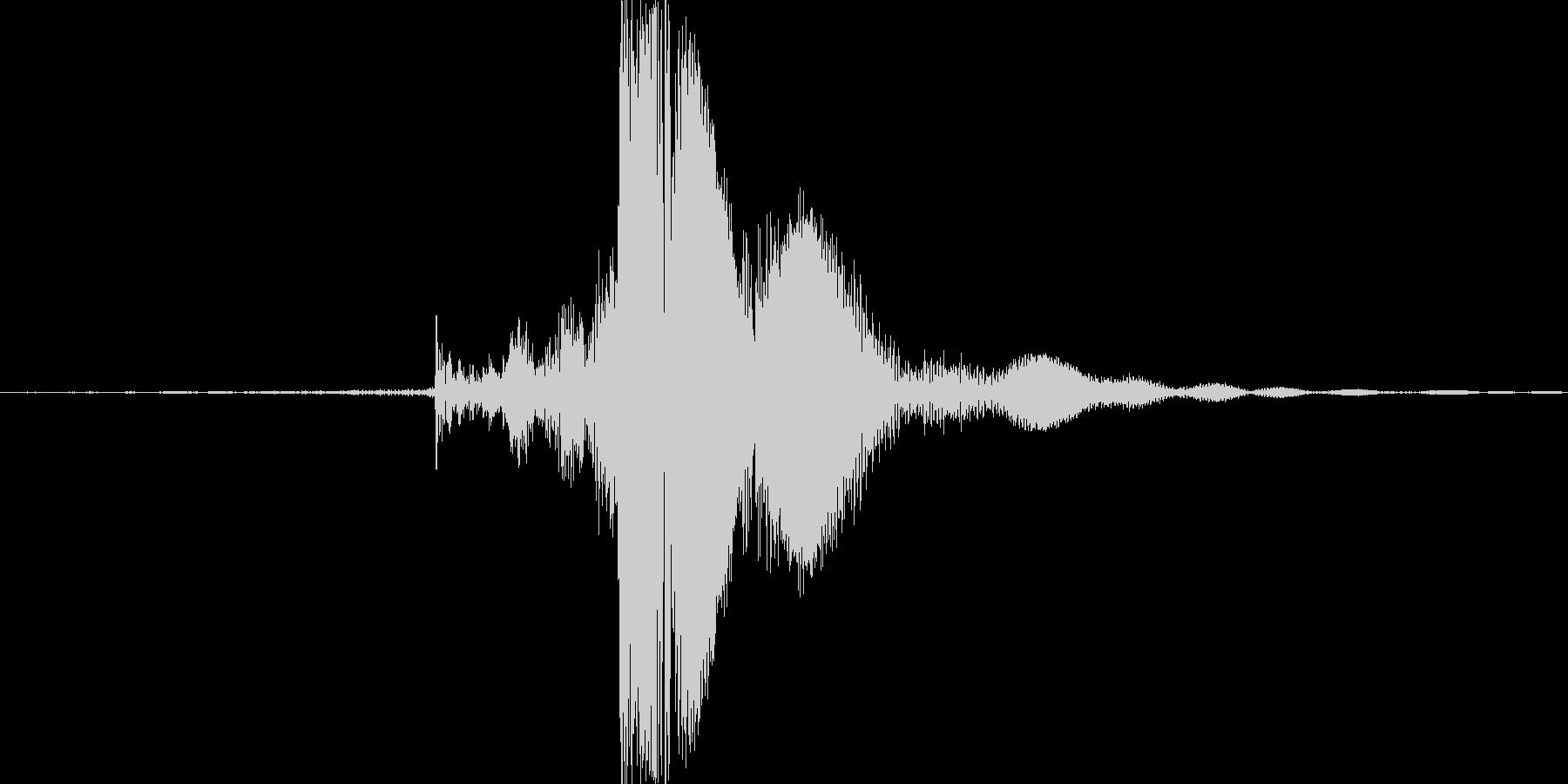 チャッ。ジッポーライターの蓋を閉める音の未再生の波形