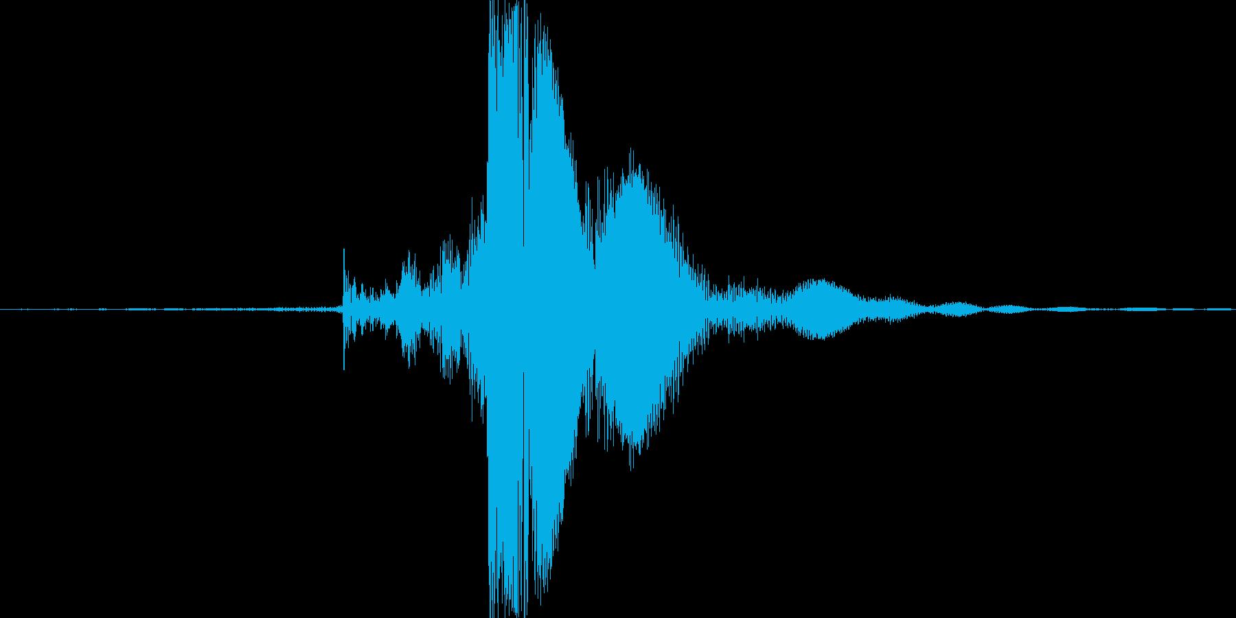 チャッ。ジッポーライターの蓋を閉める音の再生済みの波形