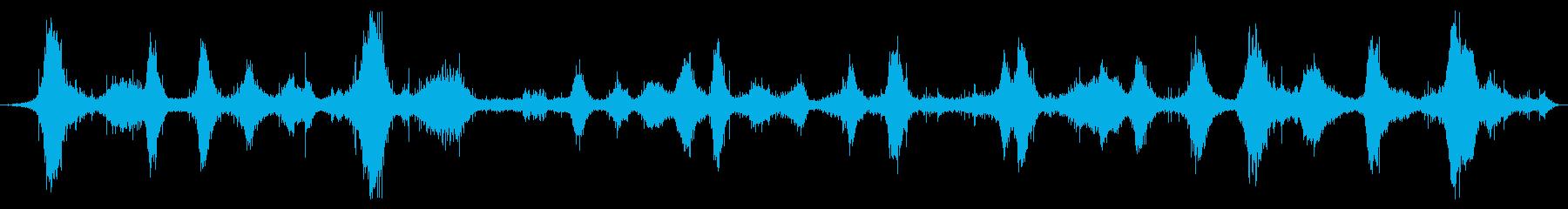 オーシャン:波が中に入って波が岩の...の再生済みの波形