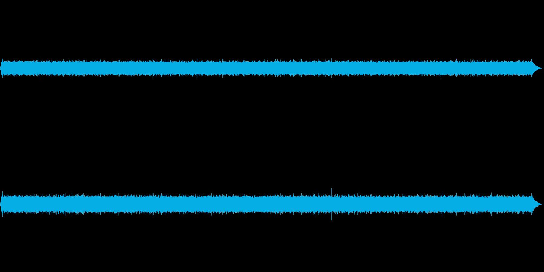 ちょっと強めな流れの川の環境音の再生済みの波形