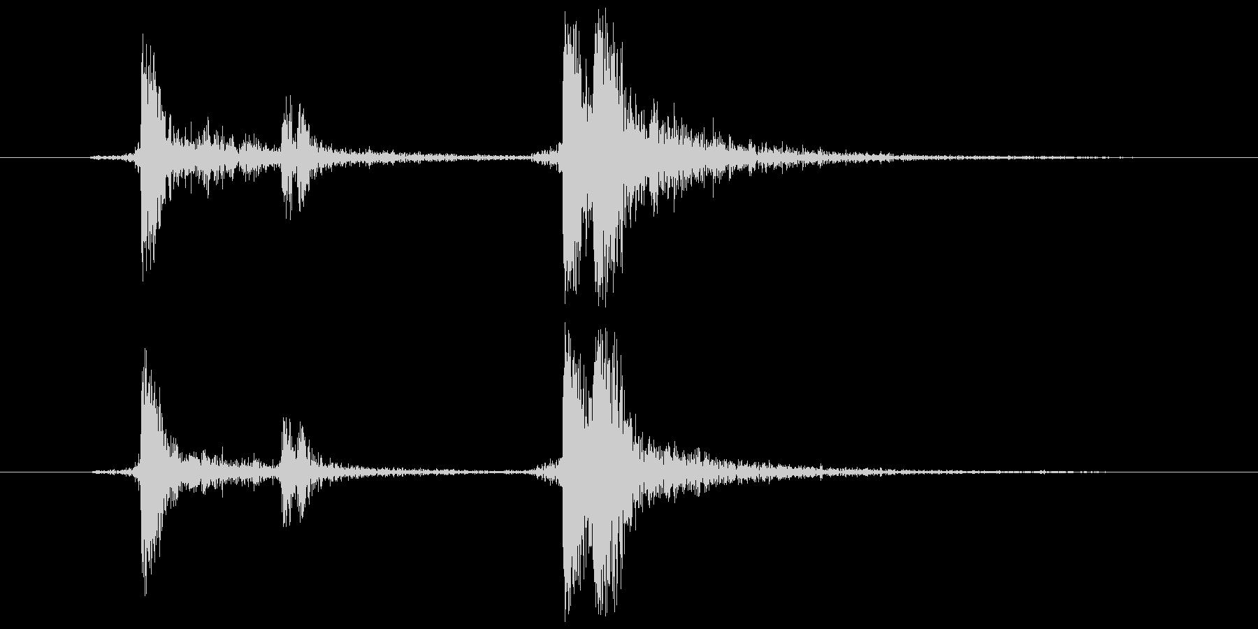 メディアケース 開閉音(カチャッ)の未再生の波形
