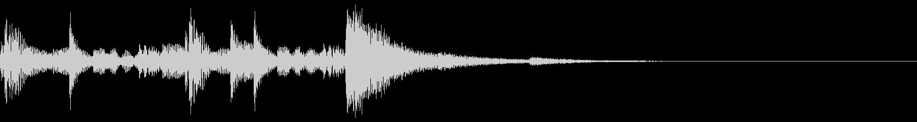 場面転換 民族風 壺音 リズミカル 独特の未再生の波形