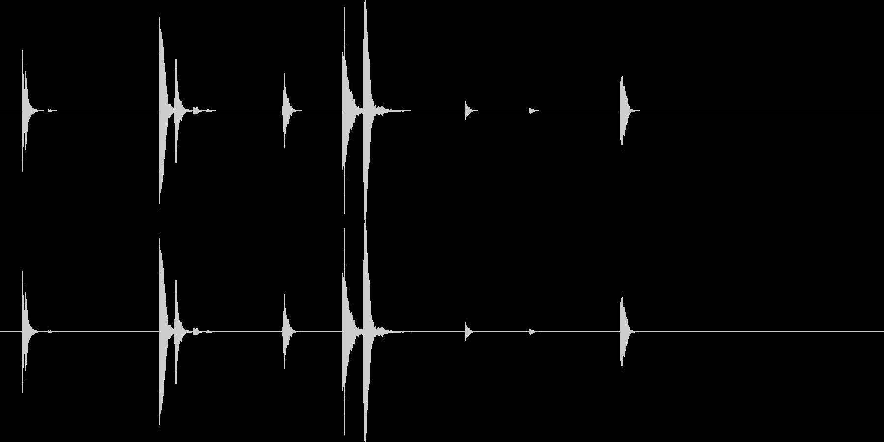 フォーク・ナイフなどを扱う音2の未再生の波形