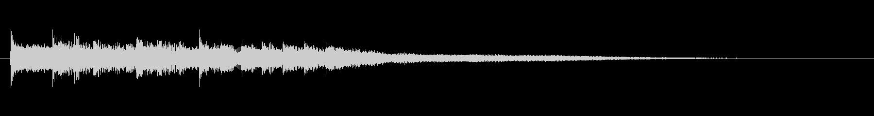 ピアノの明るいジングルの未再生の波形