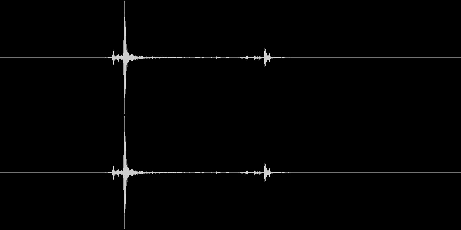 カチャ(ボタン系)の未再生の波形