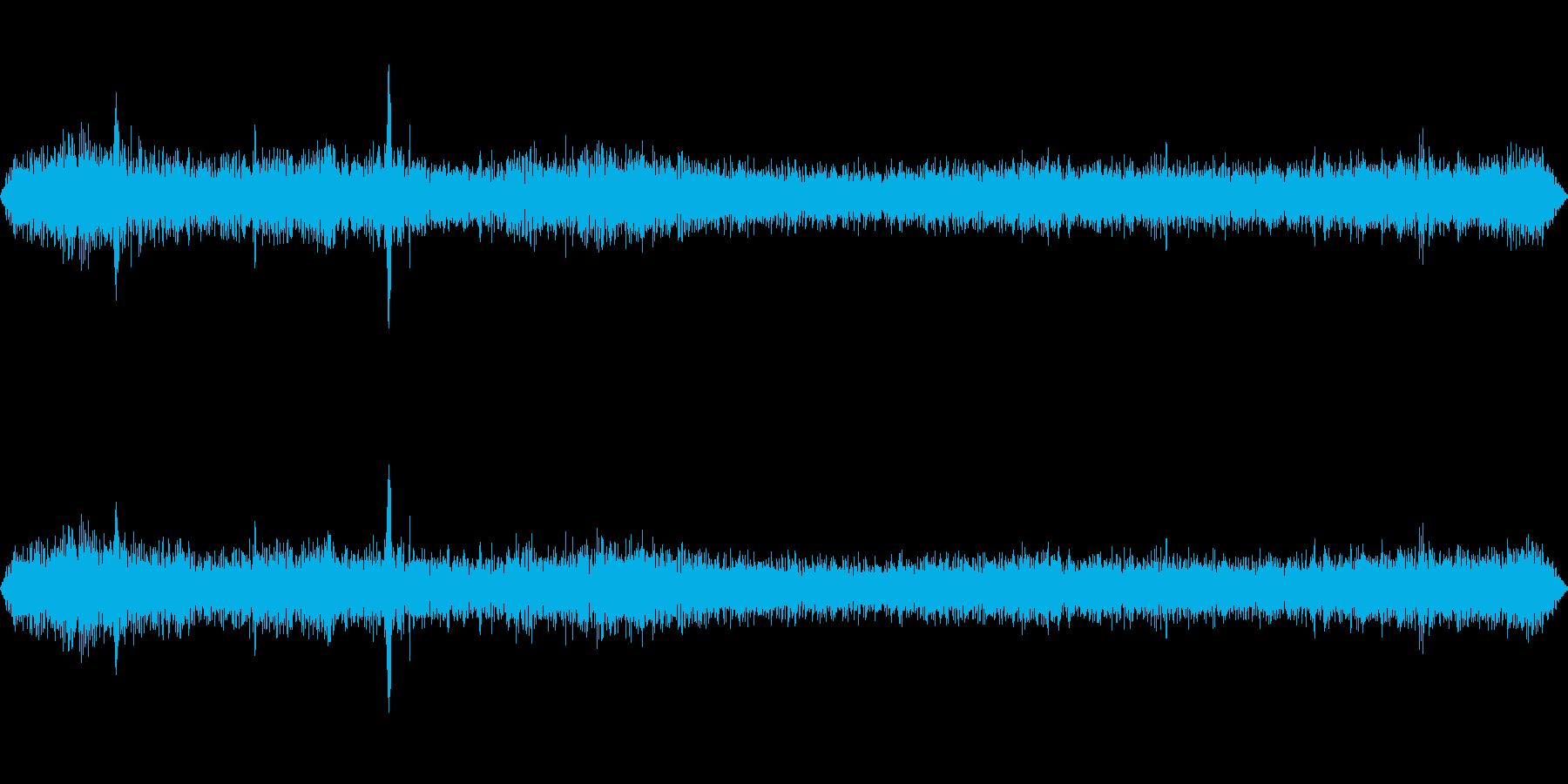 静かな住宅街(環境音)の再生済みの波形