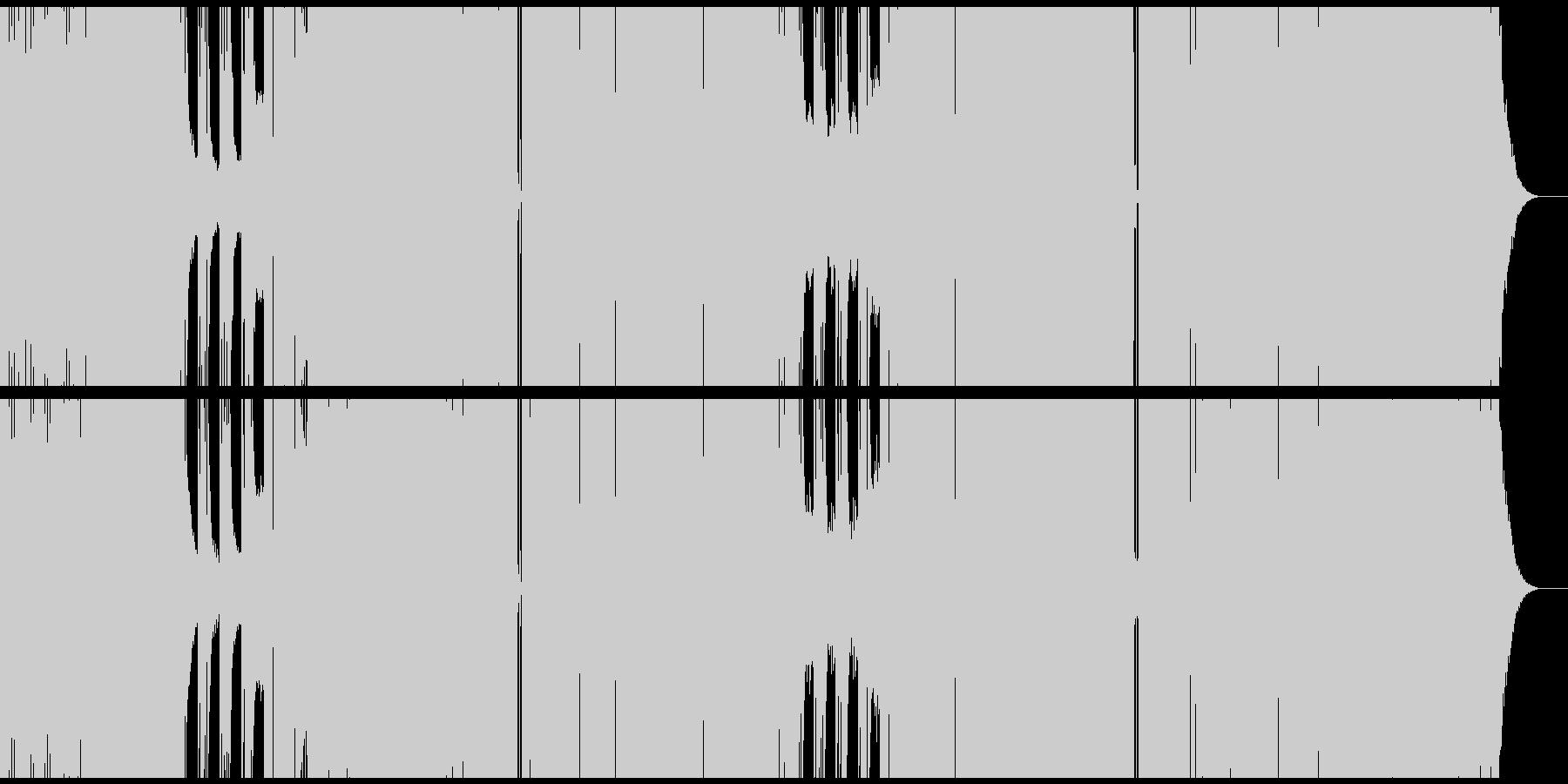 重低音4つ打ちEDMの未再生の波形