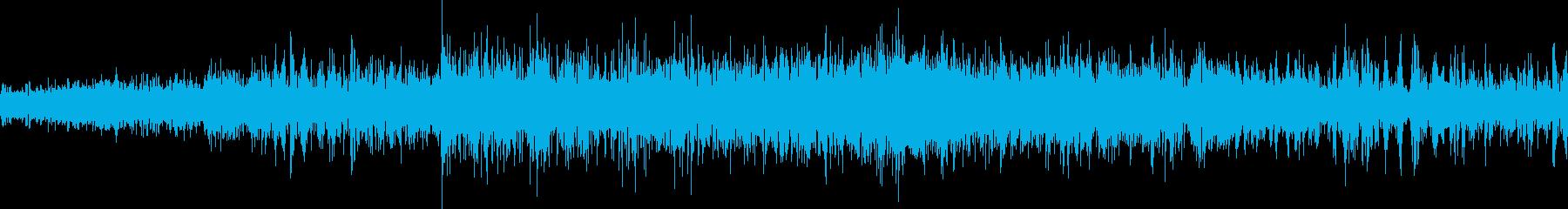 大きな塊を噛むごみ処理の再生済みの波形