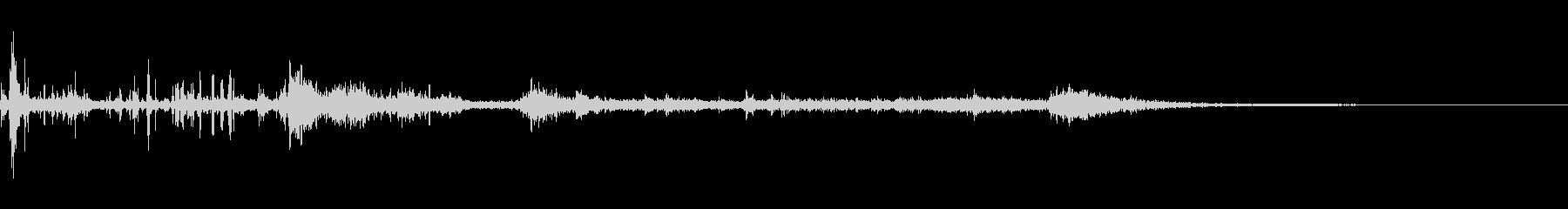 カミナリ(遠雷)-32の未再生の波形