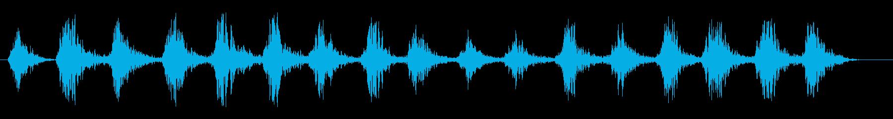 繰り返し風を切るほどの回転音の再生済みの波形