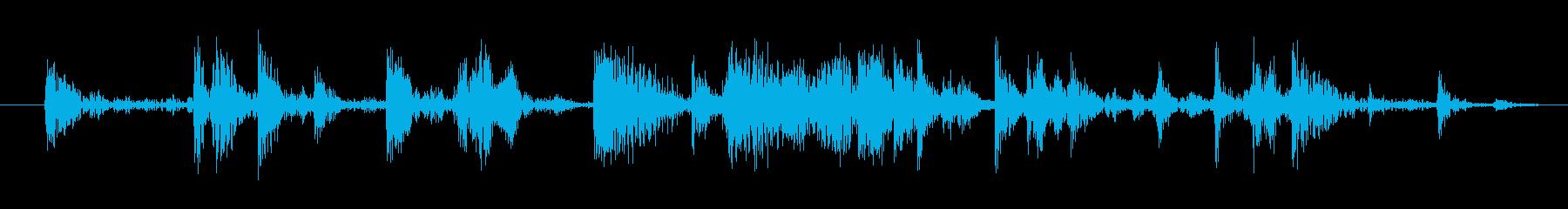 氷を入れる音(カラカラ)の再生済みの波形