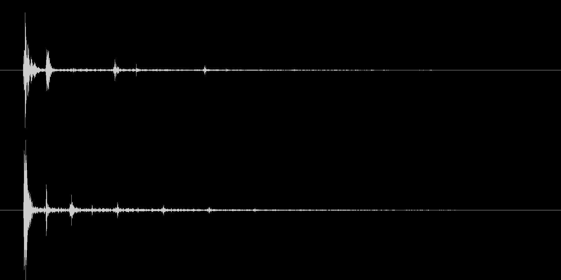 テッッッ(機械的な音)の未再生の波形
